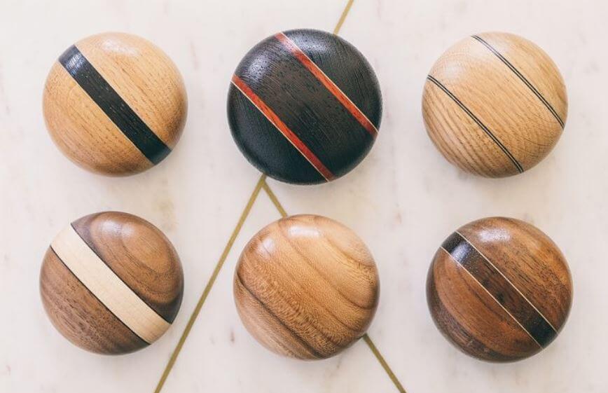 Houten knuffel urnen